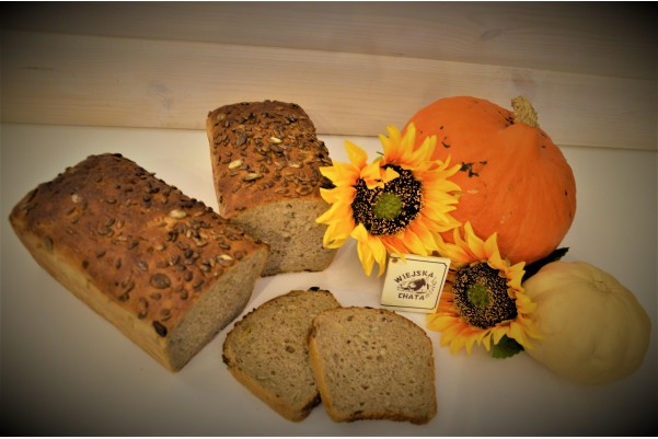 Chleb żytni z pestkami dyni...